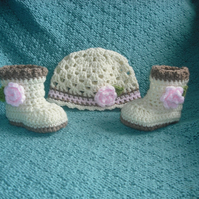 Rose Petal hat and boot set