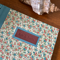 vintage-style flowers guestbook - 21cm square - personalise it!