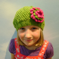 Girls Beanie Hat Green & Strawberry Pink Size Medium 5 to 10 years
