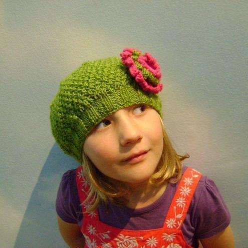 Girls Beanie Hat in Green & Strawberry Pink Size Small 2 to 4 years