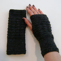 Fingerless Gloves Mittens Wrist Warmers in Charcoal Grey Aran Wool