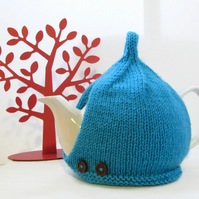 Tea Cosy in Turquoise Aran Wool