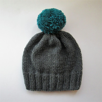 Bobble Hat in Grey Chunky Yarn with Petrol Green Pom Pom