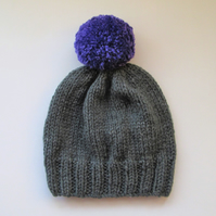 Bobble Hat in Grey Chunky Yarn with Violet Pom Pom