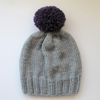 Bobble Hat in Light Grey Chunky Yarn with Purple Pom Pom