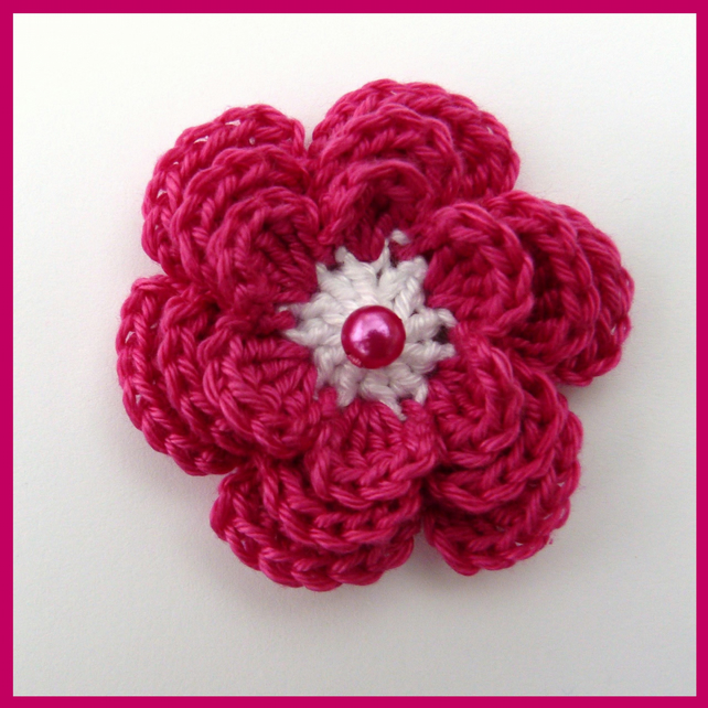 Medium Crochet Flower Pattern : 1 Medium cerise crochet flower with 3 layers - Folksy