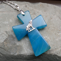 BLUE AGATE CROSS WOLF PENDANT AND CHAIN
