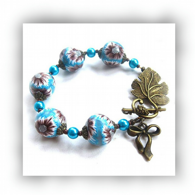 Turquoise Floral Bead Bracelet