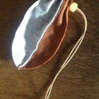 Felt drawstring pocket