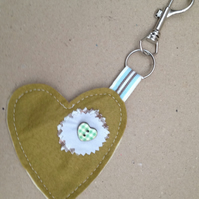 Heart and button keyring