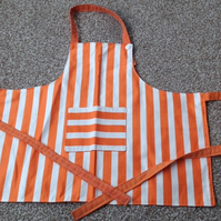Childs Apron orange and white