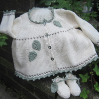 Fearne - Knitting Pattern in pdf for Baby's jacket and booties