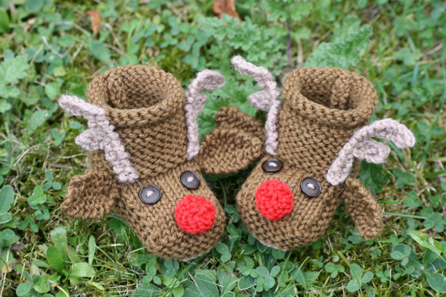 KNITTING PATTERN in pdf - Reindeer Baby Booties