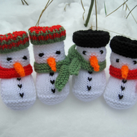 KNITTING PATTERN in pdf - Snowman Baby Booties