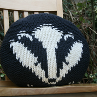 KNITTING PATTERN in pdf - A Badger Cushion