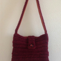 Shoulder Bag knitted.
