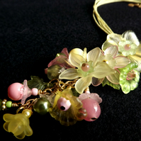 Lucite Flower Necklace (Woodland Walk)