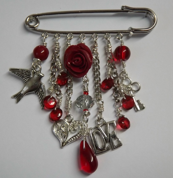 Kilt Pin Brooch (With love-1)