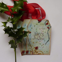 Christmas gift tags ( set of 3) ' Rosehips '...ready to ship...
