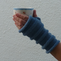 FINGERLESS MITTS , wristwarmers .Wool, Alpaca. Ladies Med. ' Atlantic' .