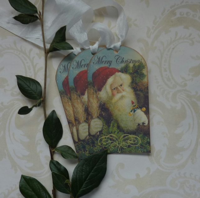 CHRISTMAS GIFT  TAGS  ( set of 3 ) ' Woodland Santa'... ready to ship..