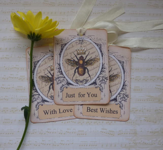GIFT TAGS. Vintage-style , Queen Bee ( set of 3, different sentiments)
