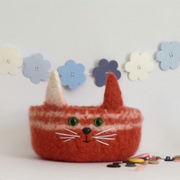 FELTED 'FUSSPOT' bowl. Cat. Kitty. OOAK. ' Marmaduke'.....ready to ship..