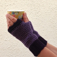FINGERLESS MITTS. Alpaca , wool blend.  Ladies MED . ' Elderberry Wine'.