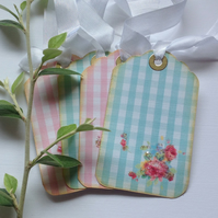 GIFT TAGS ( set of 4 ) .  Gingham, retro , shabby chic.