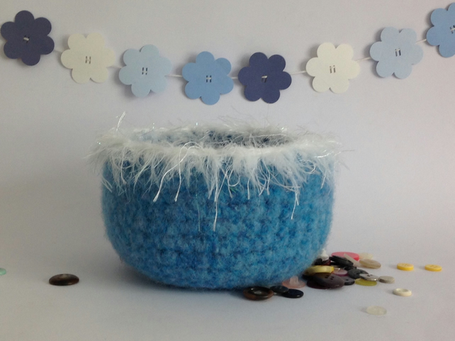 SALE.... FELTED 'FUSSPOT' bowl .' Snow Queen' ( with silky fringe ).