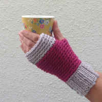 FINGERLESS MITTS.Wool blend. Ladies. S-M .'Winter Rose' . Pink . Grey.