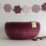 SALE ...FELTED 'FUSSPOT' bowl ,desk tidy  ' Sweetheart' ' ( with button detail )