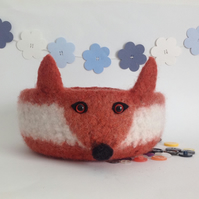 FELTED 'FUSSPOT' bowl. Desk tidy. Fox.. ' Amber VlI '.....ready to ship..