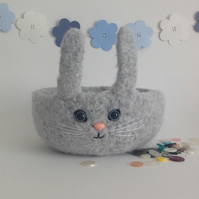FELTED 'FUSSPOT' BOWL , desk tidy. ' Jessie' . Rabbit . Bunny . Easter.