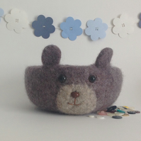 FELTED 'FUSSPOT' bowl. Desk tidy. Bear. ' Cookie'.....ready to ship..