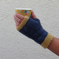 FINGERLESS MITTS. Gloves .' Harbour Light' .Wool ,Cashmere blend. Ladies M.