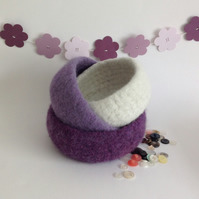 FELTED 'FUSSPOT'  BOWL ( set of  3 )   Nesting set . 'Wild Berries ' . Purple .