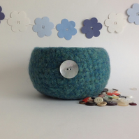 FELTED 'FUSSPOT'  BOWL , tray , desk tidy . ' Lagoon ' (with  MOP button).