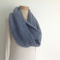 INFINITY SCARF , cowl. Alpaca blend. Super-soft. ' Slate' . Blue-grey..