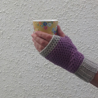 FINGERLESS MITTS. Alpaca and wool blend. Ladies M. ' Shadowplay' .