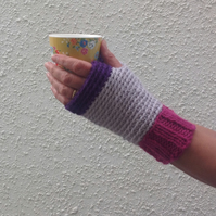 FINGERLESS MITTS.Wool blend. Ladies M-L  .' Carnival ' . Pink. Grey. Purple .