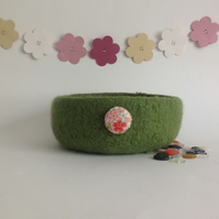FELTED 'FUSSPOT' BOWL, desk tidy  ' Sakura' . Green .Fabric button.