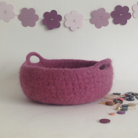 FELTED 'FUSSPOT'  BOWL , tray , desk tidy . ' Dusky Rose ' (with handles ).