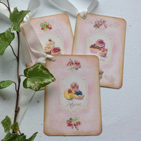 GIFT TAGS. Vintage-style ( set of 3) . Cupcakes.  French  theme .Wedding .