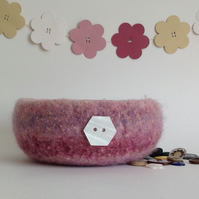 FELTED 'FUSSPOT'  BOWL , tray , desk tidy . ' Blush ' (with MOP button )