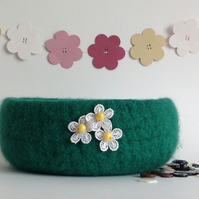 SALE ..... 'FUSSPOT' felted bowl, tray, desk tidy  ' Fresh Grass'   .
