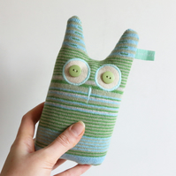 Large knitted Lavender Owl