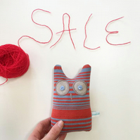 SALE: Large knitted Lavender Owl