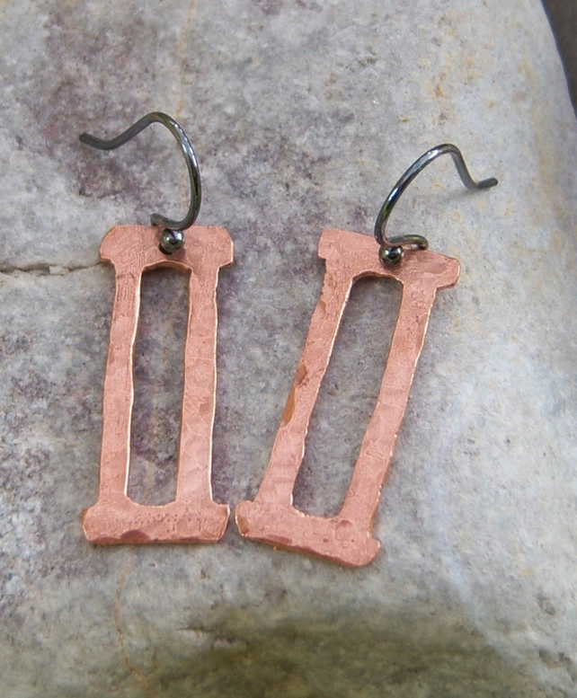 Gemini earrings in copper