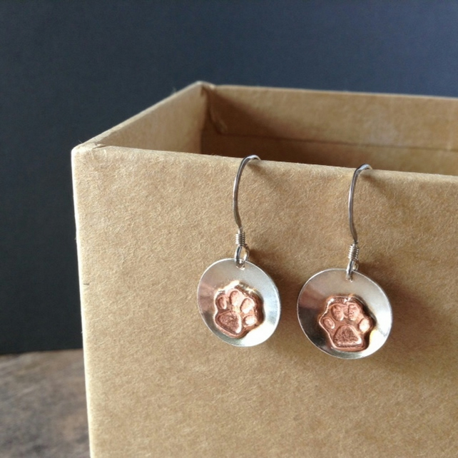 Paw earrings in sterling silver and copper
